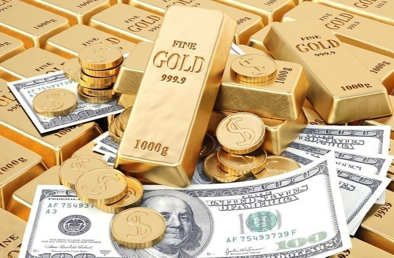Dollars and Gold Galloping: Welcome to Bizarro Town